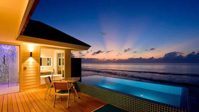 aqua pool villa