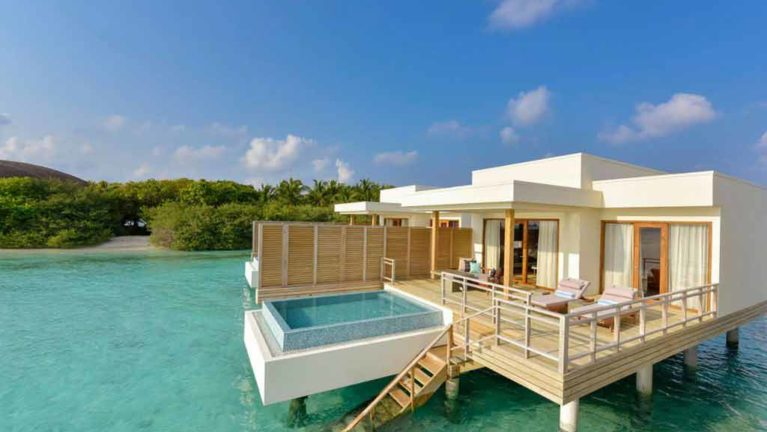 Lagoon Villa with Pool